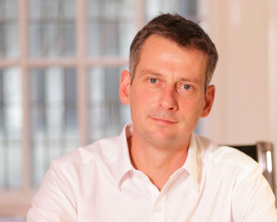 Dr. med. Holger Goebel ist Orthopäde in Berlin-Charlottenburg